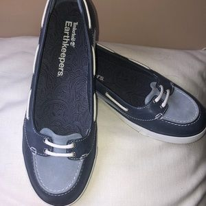 NWT-Timberland Leather Boat Shoes. Size 9.